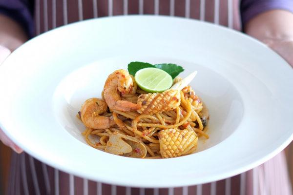 Fried Spaghetti Tom Yum Sauce Seafood